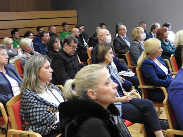 """Konferencja """"Na drogach i bezdrożach wychowania… z kompasem Prymasa Wyszyńskiego"""" wpisała się też w lokalne obchody XI Tygodnia Wychowania"""