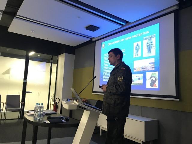 Jednym z ekspertów w projekcie jest podpułkownik Maksymilian Stela z Wojskowego Instytutu Chemii i Radiometrii