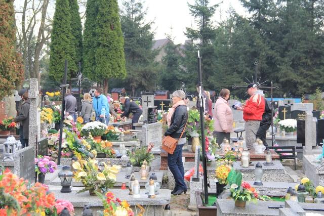 Kuria podkreśla, że opłaty cmentarne są takie same na wszystkich parafialnych nekropoliach w województwie, a wynikają z kosztów utrzymania cmentarzy.