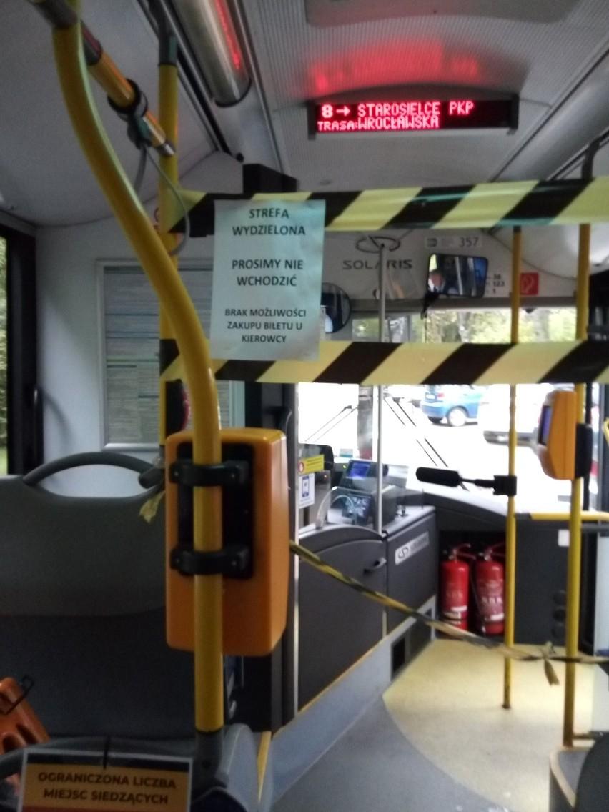 Białystok: tłoki w autobusach BKM. Obostrzenia sanitarne to fikcja?