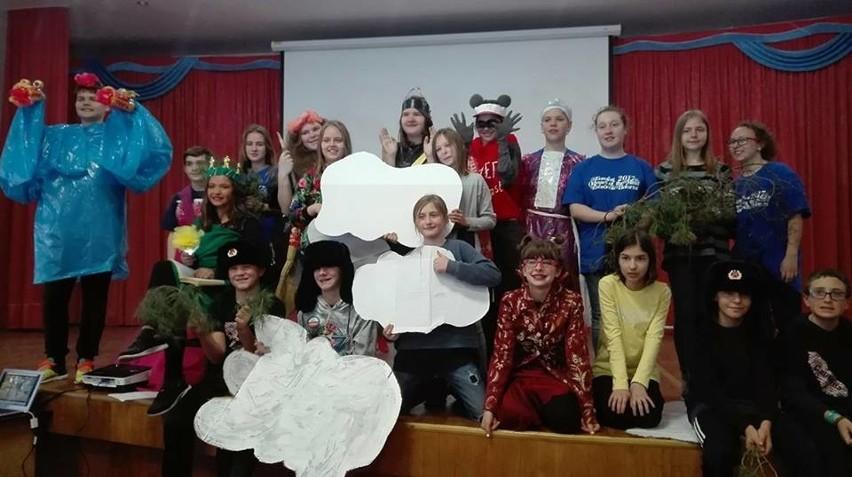Odyseuszki z PSP 1 w Opolu wspólnie z uczniami z Rosji i Stanów Zjednoczonych przygotowały międzynarodową bajkę.