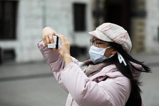 Do kiedy nosimy maseczki? Kiedy koniec zakrywania ust i nosa?