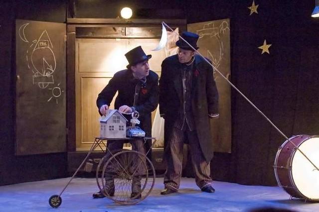 """Sztuka """"Jest królik na księżycu"""" będzie wystawiana na scenie Akademii Teatralnej."""