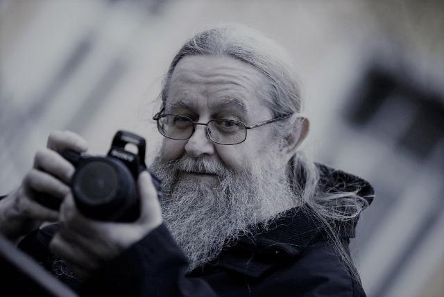 Roman Łaniewski lubił fotografować, był też grafikiem.