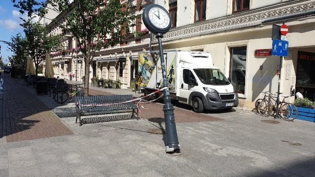 Do uszkodzenia słupa, na którym zegar był zamontowany, doszło w czerwcu br.