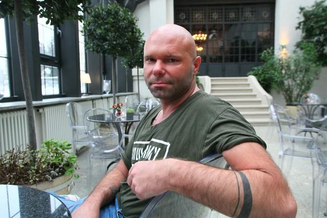 Janusz Nerga jechał taksówką i miał wypadek. Gdyby nie zapiął pasów, prawdopodobnie już by nie żył