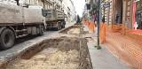 Dokuczliwe remonty dróg w centrum Łodzi. Rozkopane pół Śródmieścia!