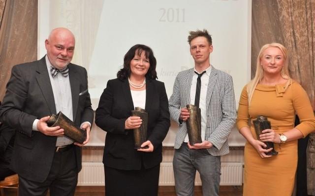 Od lewej: Marek Waszkiel, Barbara Kudrycka, Dawid Frąckiewicz i menedżerka Marka Twardowskiego odebrali nagrody