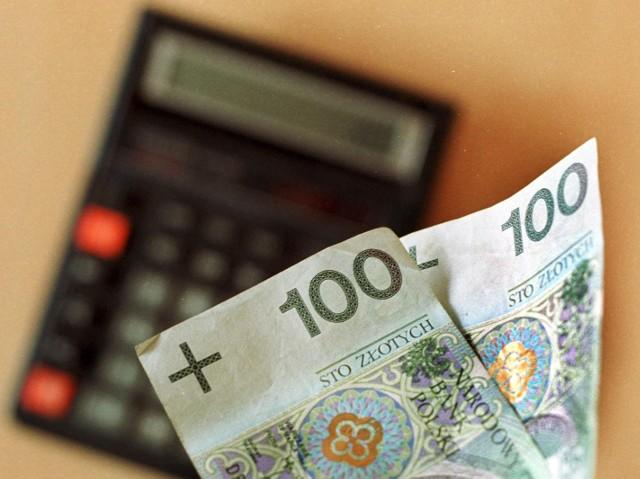 """Wolimy oszczędzać na """"czarną godzinę"""", niż na emeryturęW 2015 r., sytuacja finansowa Polaków poprawiła się"""