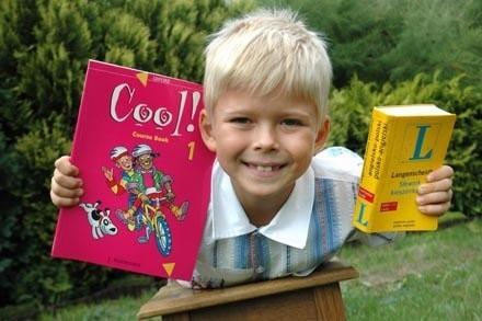 Michał Skupień z Zielonej Góry będzie miał od września lekcje angielskiego. Rodzice zadbali już o potrzebne podręczniki.