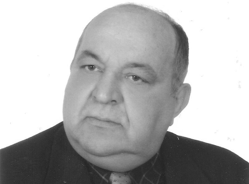 to współtwórca i działacz białostockiego Klubu Więzionych,...