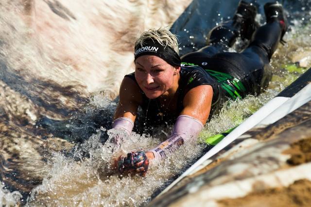 W sobotę 19 sierpnia w Ogrodniczkach odbyły się zawody Hero Run. Uczestnicy mieli do pokonania ponad 35 przeszkód. W zawodach wzięli udział prawdziwi herosi. Zobacz zdjęcia z tego wydarzenia.
