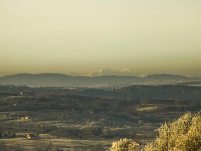 - Dziś pięknie z rana było widać Tatry z Łanów Matysowskich. Odległość do góry Wysokiej to prawie 170 km - napisał do nas na fb pan Michał i na dowód załączył zdjęcia, które publikujemy. Dziękujemy