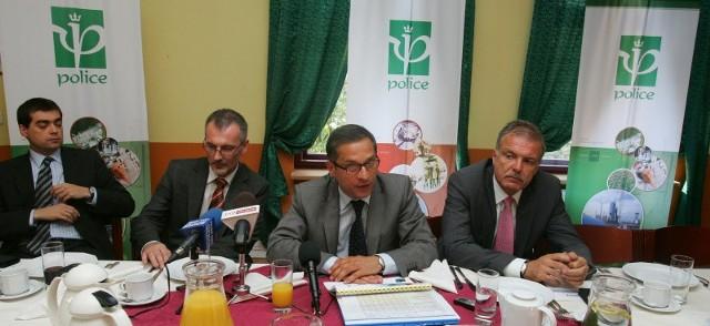 -  Nie rozpatrujemy innego wariantu niż  poprawę wyników finansowych  - zapewnia  zarząd ZCH Police.