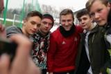 Błaszczykowski trenował z piłkarzami Wisły Kraków i rozdawał autografy [ZDJĘCIA]