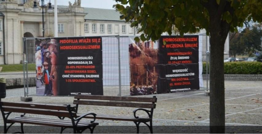 """Wystawa """"Stop dewiacji"""" w Radzyniu Podlaskim."""