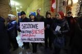 Stanęli w obronie prześladowanych sędziów - protest przed łódzkim sądem ZDJECIA