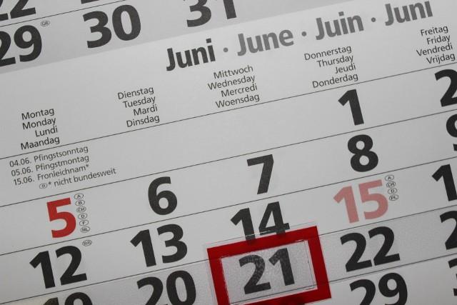 Dni ustawowo wolne od pracy w 2022. W które święta nie idziemy do pracy? Kiedy warto wziąć urlop? Odpowiadamy!