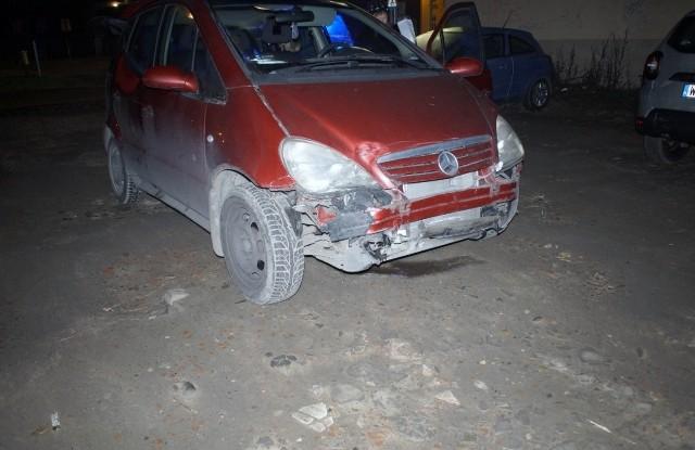 W czwartek (19.12) na skrzyżowaniu ulic Tuwima i Kołłątaja doszło do groźnie wyglądającej kolizji drogowej. Na miejscu zdarzenia pracowali policjanci ze Słupskiej drogówki. W zdarzeniu na szczęście nikt nie ucierpiał.