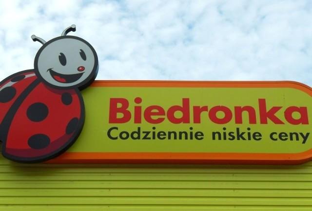 Biedronka bez VAT. Weekendowa promocja w Biedronce w piątek i sobotę 6-7.4.2018. 2 tys. produktów bez podatku VAT (cennik, regulamin)