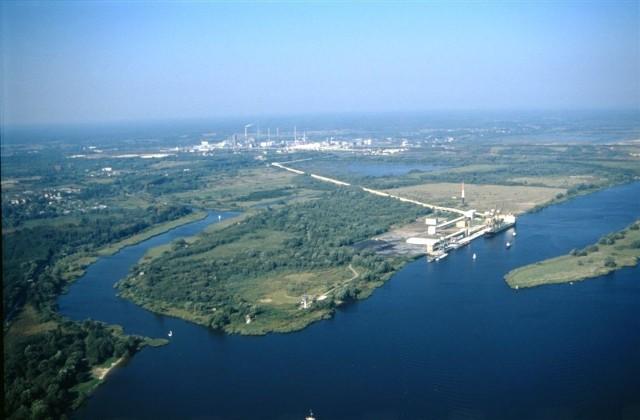 Poszerzenie obszaru portu pozwoli na robudowę terminalu i rozwój polickiej spółki.