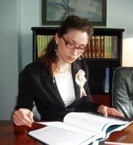 """Pomysł """"jednego okienka"""", który zgodnie z ustawą wchodzi w życie 31 marca umożliwi osobom chcącym założyć firmę, składanie jednego wniosku rejestrującego działalność gospodarczą.  (fot. sxc)"""