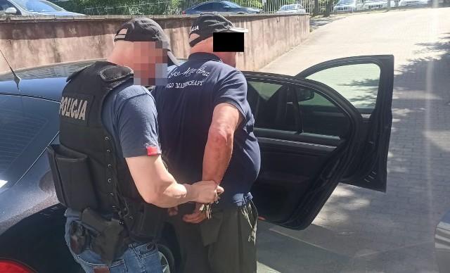 Policjanci rozbili grupę złodziei samochód. Zatrzymani mężczyźni działali w różnych miejscach Polski