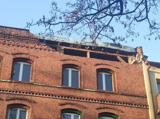 29 osób ewakuowanych z kamienicy w Chorzowie. Pękła ściana budynku.Zobacz kolejne zdjęcia. Przesuwaj zdjęcia w prawo - naciśnij strzałkę lub przycisk NASTĘPNE