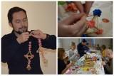 Świąteczne przygotowania w skansenie. Naucz się tworzyć tradycyjne bożonarodzeniowe ozdoby (zdjęcia)