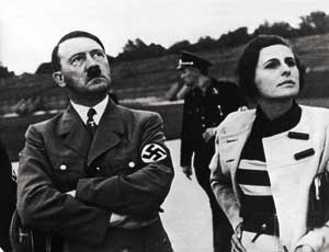 Leni Riefenstahl ze swoim guru. Po wojnie mówiła, że nic nie wiedziała o jego morderstwach.