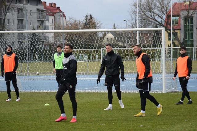Piłkarze Radomiaka podobnie jak inni zawodnicy drużyn z naszego regionu być może zaczną rundę wiosenną po Świętach Wielkanocnych.