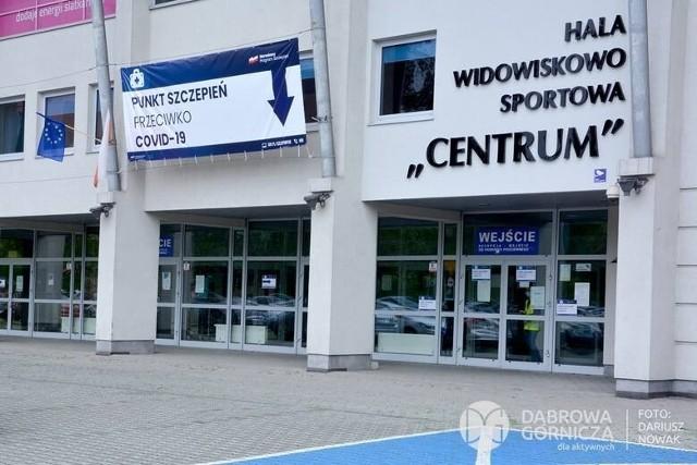 Powszechny punkt szczepień w hali Centrum w Dąbrowie Górniczej został zamkniętyZobacz kolejne zdjęcia/plansze. Przesuwaj zdjęcia w prawo - naciśnij strzałkę lub przycisk NASTĘPNE