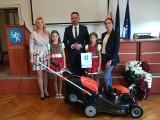 W Jędrzejowie wręczono nagrody w konkursie Piękna i przyjazna dla środowiska Wieś Powiatu Jędrzejowskiego 2021 [ZDJĘCIA]