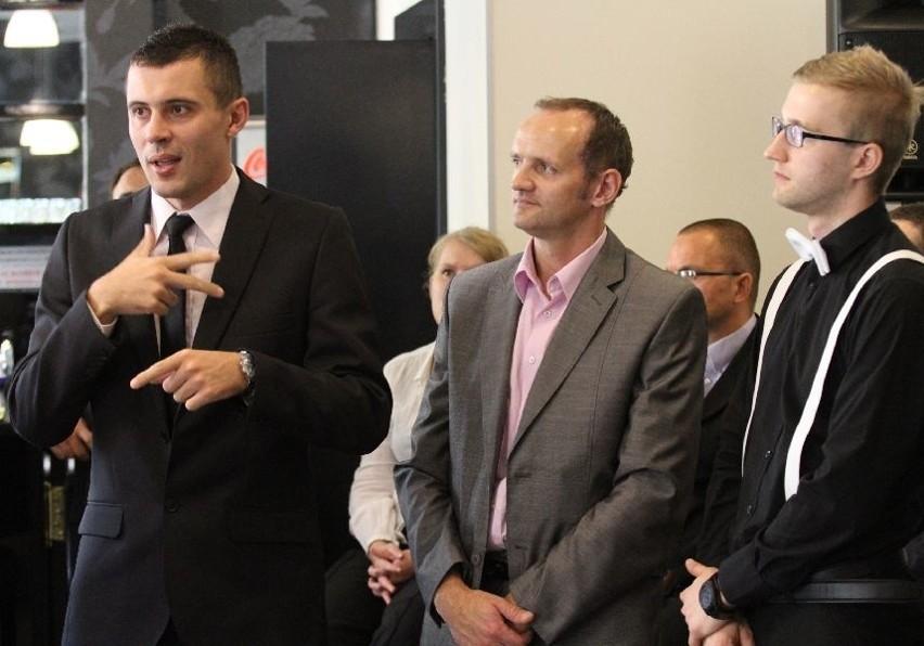 Od lewej Mariusz Michalczyk, prezes G-5 WASH.PL, Marcin Kołek – wiceprezes Mig-Bud i Kamil Kutera prezes Beethovena przedstawili swoje firmy.