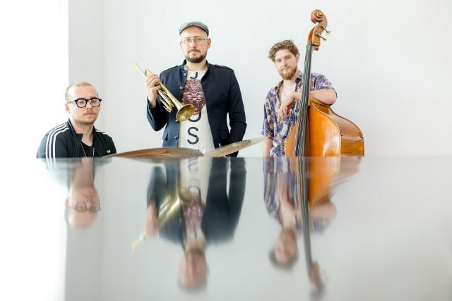 """Muzycy wracają po pięciu latach przerwy. W przygotowaniu mają nowe pomysły, które przerodziły się w najnowszy materiał pt. """"Baltic""""."""