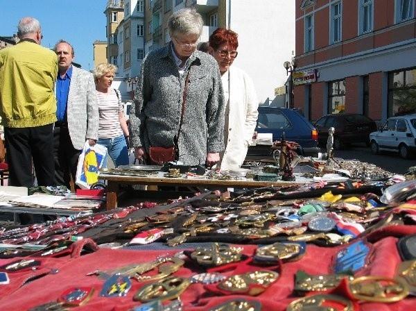 """Nadwiślański Jarmark Staroci, zorganizowany  przez kolekcjonerów z Towarzystwa """"Pomorze"""",  bardzo podobał się grudziądzanom."""