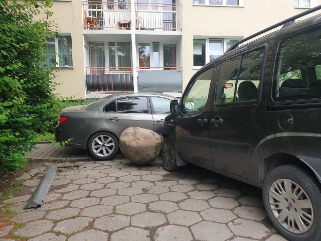 W policyjnej izbie zatrzymań VIII Komisariatu Komendy Miejskiej w Łodzi trzeźwieje 29-letni kierowca chevroleta, który w nocy z soboty na niedzielę uciekał przed policją. Do scen rodem z filmów akcji doszło na Dąbrowie.Czytaj więcej na następnej stronie