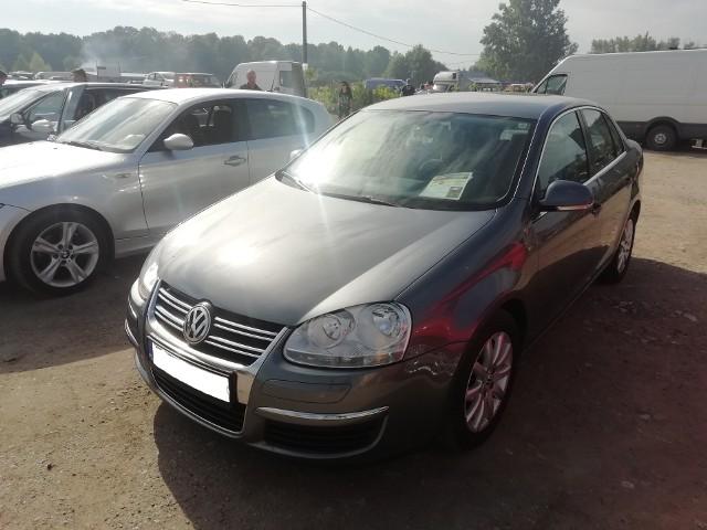 Volkswagen Jetta. Pojemność silnika 1.9. Diesel. Rok produkcji 2007. Stan licznika: 205 tys. km. Cena: 16 300 zł