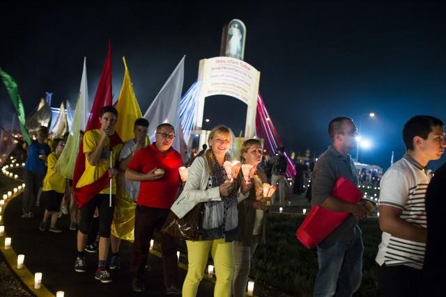 Rocznica Światowych Dni Młodzieży na Campusie Misericordiae w Brzegach