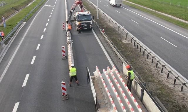 Budowa buspasów już ruszyła. Będą oddzielone od reszty jezdni barierkami