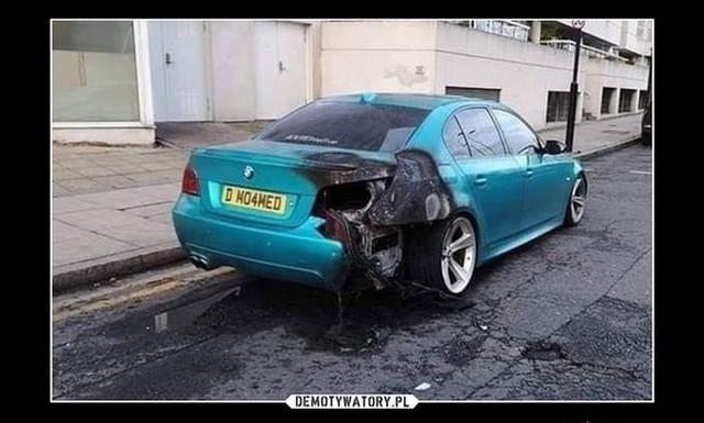 Dlaczego kierowcy BMW nie włączają kierunkowskazów? TOP 100 memów o BMW!