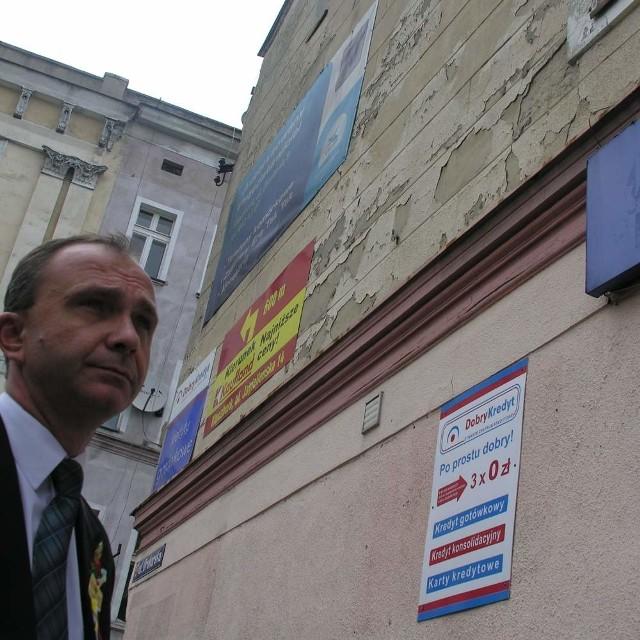 - Musimy ratować ten budynek - mówi Andrzej Nowak.