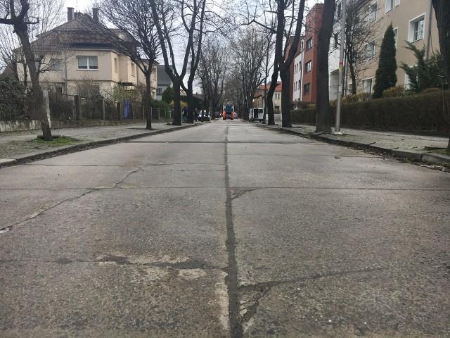 """Opole. Ulice w """"dzielnicy generalskiej"""" czeka gruntowny remont."""