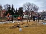 Krosno Odrzańskie. Dalszy ciąg rewitalizacji w dolnym mieście. Dobiega końca budowa nowego placu zabaw. Będzie oddany do użytku w grudniu