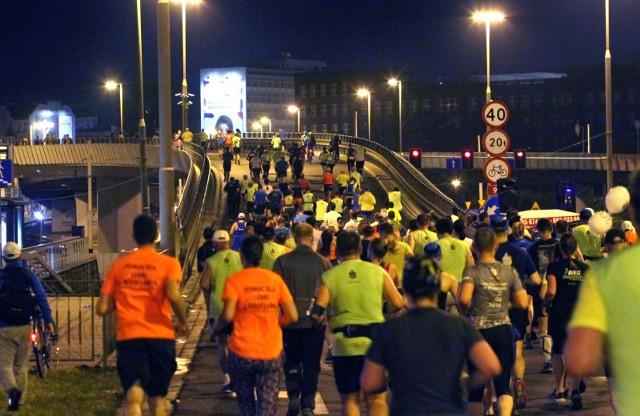 PKO Nocny Wrocław Półmaraton cieszy się olbrzymią popularnością