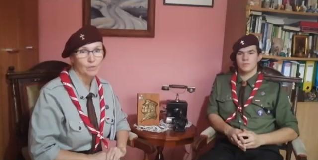 Anna Steckiewicz, komendantka pińczowskiego hufca Związku Harcerstwa Polskiego wraz z synem Patrykiem włączyli się w akcję #ChallangedlaNiepoldegłej.