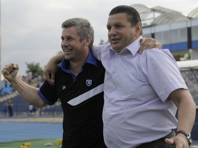 (z lewej) pożegnał się z Zawiszą Bydgoszcz. Adam Topolski został dziś trenerem Bałtyku Gdynia.