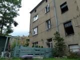 2,5–latek pozostawiony sam w domu przy ul. Bednarskiej. Opiekun pił u sąsiada