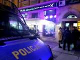 Policjanci prowadzili kluby ze striptizem? Nowe fakty w sprawie sobotniej akcji na wrocławskim Rynku