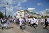 Pracownicy służby zdrowia jadą na wielką manifestację do Warszawy